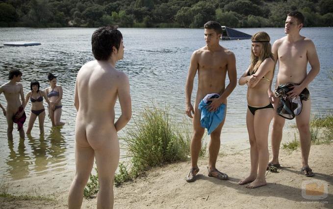 12730_discusion-en-el-pantano-desnudos-en-foq