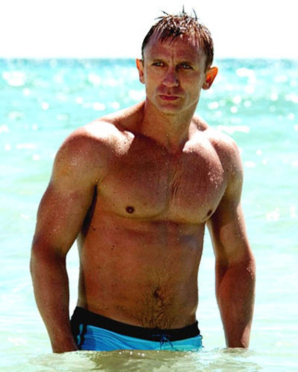 daniel-craig-shirtless-2