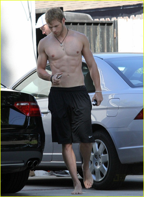 kellan-lutz-abs-of-steel-07
