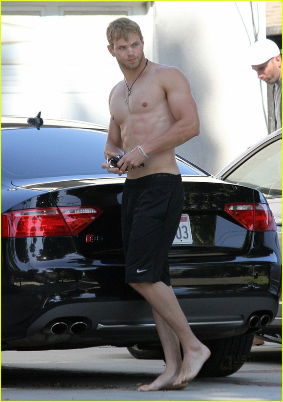 kellan-lutz-abs-of-steel-13