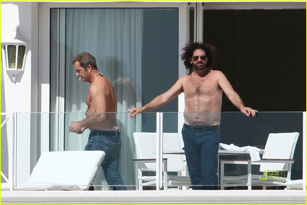 mel-gibson-shirtless-cannes-01