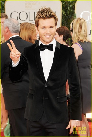 ryan-kwanten-2012-golden-globes-red-carpet-02